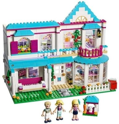 This is an image of girls LEGO friends serie and stephanie's house version building kit