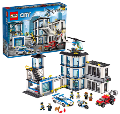 this is an image of boy's lego city police station in bleu and white colors